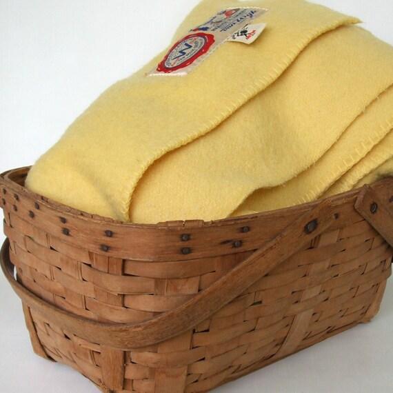Vintage Wool Blanket Twin Pale Yellow