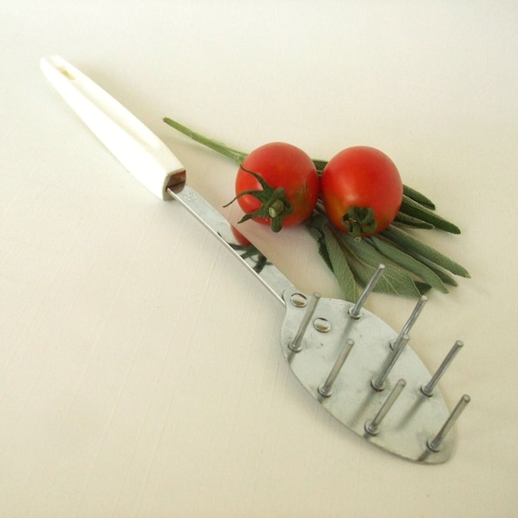 Heuck Spaghetti Server Claw Metal Kitchen Utensil