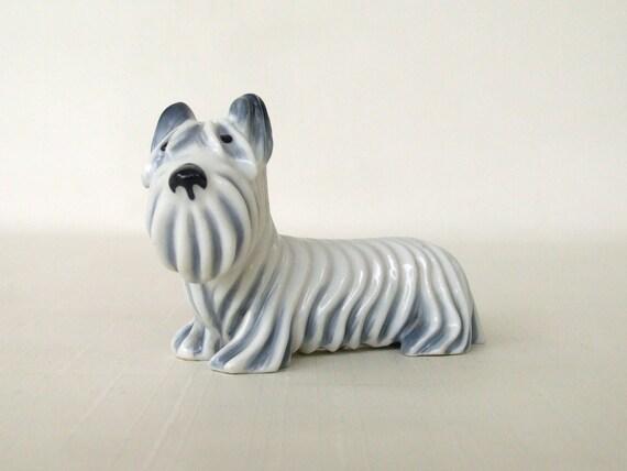 Metzler Ortloff Skye Terrier Dog Figurine Blue Gray White Germany China