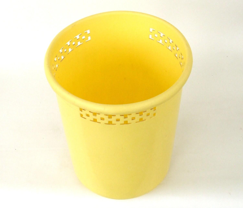 Vintage trash can waste basket pale yellow bathroom decor for Pale yellow bathroom accessories