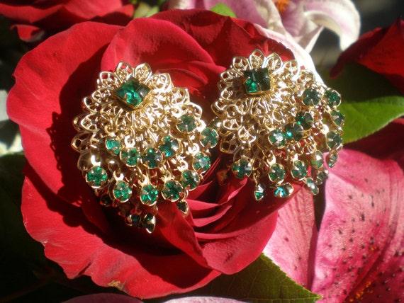 Vintage Earrings Emerald Green Rhinestone Gold Filigree Clip On