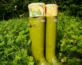 SLUGS Fleece Rain Boot Liners Cream with a Yellow Floral Cuff, Spring Summer Fashion, Farm Garden Gear, Gardener Chic (Sm/Med 6-8 Boot)