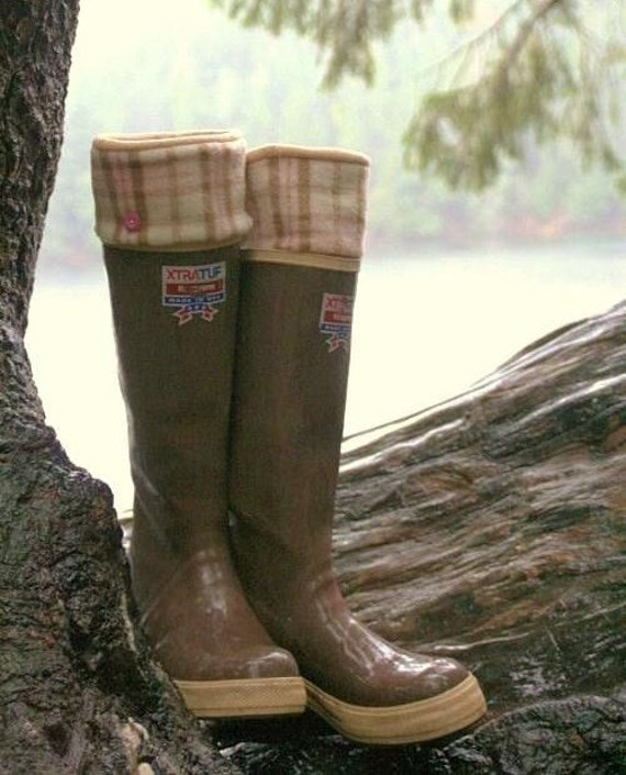 SLUGS Fleece Rain Boot Liners Tan with Pink and Tan Plaid