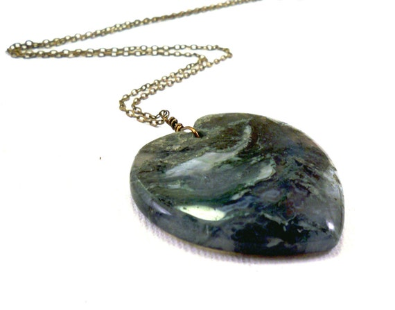 Heart necklace: natural stone, moss agate druzy, green Valentines necklace, vintage brass, love necklace, jewelry gift for girlfriend wife