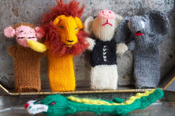 5 Knitted Animals Finger Puppets