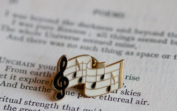 Music Lover - Musical Notes Enamel on Gold Pin Badge