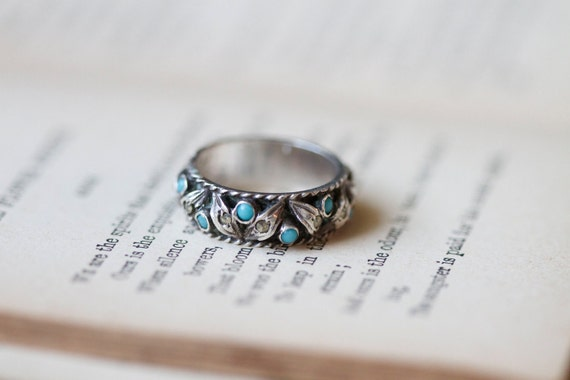 RESERVED for JESSICANNIE Antique Sterling Silver Leafs and Turquoise Ring