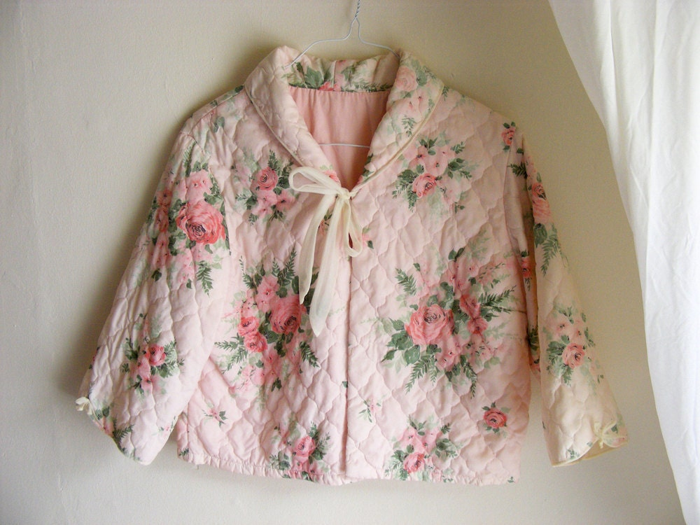 Fifties Cute Quilted Bed Jacket Pink With Roses