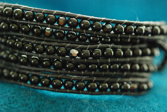Chan Luu style wrap bracelet with black onyx gemstones on black leather, silver button (B93)