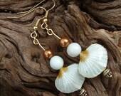 Earrings - Lysianassa's Trinkets - Shell - Semi precious - White and Gold