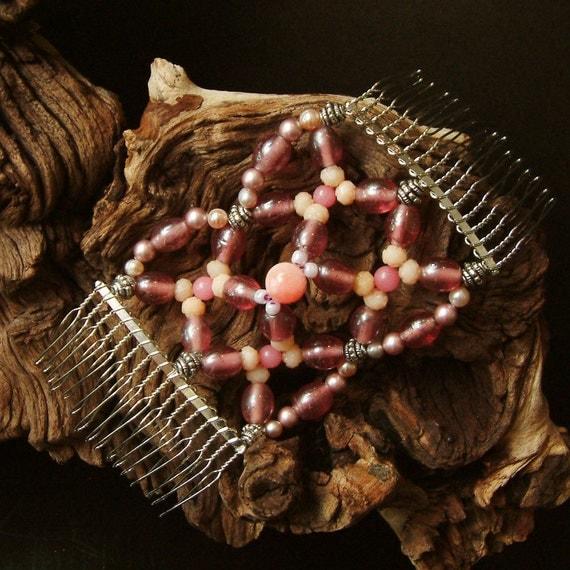 Handmade Haircomb -  Semi precious stones - Vintage beads - Pretty in Pink