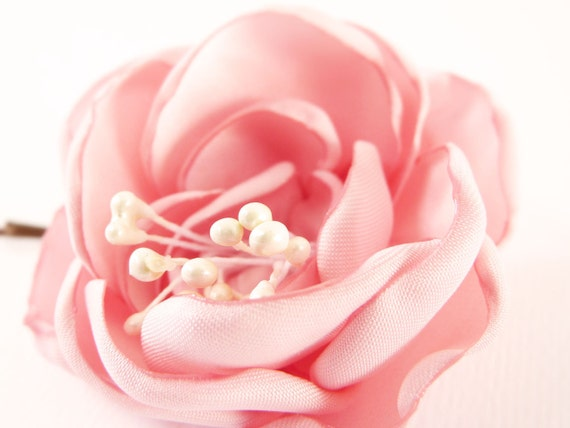 Flower barrette Pastel pink Satin Bridal hair accessories OOAK by Jye, Hand-made in France