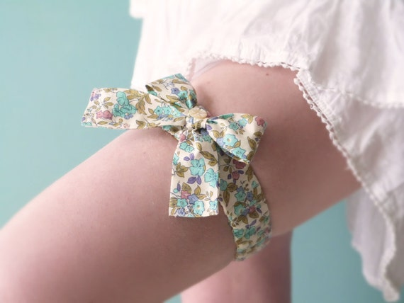 Liberty cotton bow garter Summer wedding OOAK by Jye, Hand-made in France
