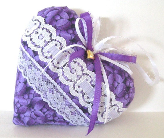 RESERVED For Colleen, Sachet Heart, PURPLE and WHITE Lavender Buds, Prim Primitive Cloth Handmade CharlotteStyle Decorative Folk Art