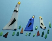Glass Birds and Grass for Mosaics, Jewelry, Magnets or other Embellishments 3 Birds 15 Grass Pieces (P110)