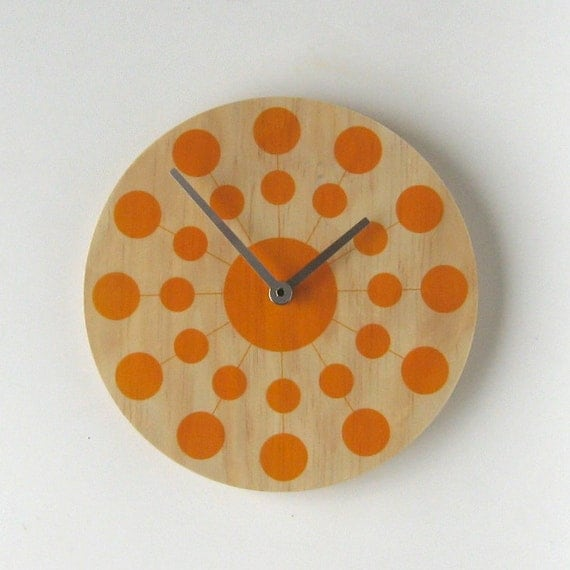 Objectify Solar Wall Clock - Silent Mechanism