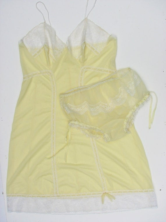 Vintage 40s 50s French Montagut de luxe Slip and Knickers Set Sz Medium - Free US Shipping