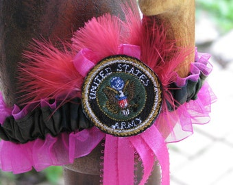 Garter gift set for your special day.