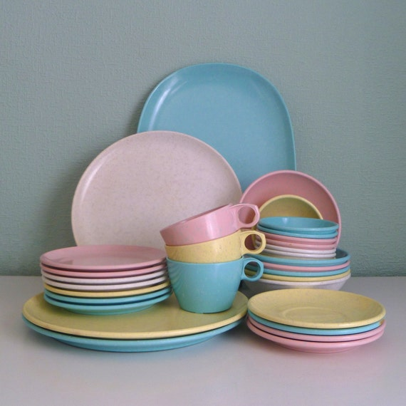 Vintage 32 Pc Melamine Pastel Confetti Dish Set In Easter
