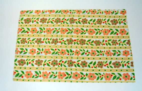 Yellow  Daisy Chain Vintage pillow case