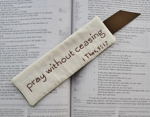 Religious Bookmark - Bible Verse- Scripture - Pray Without Ceasing - 1 Thessalonians 5 - Green Gingham - Brown