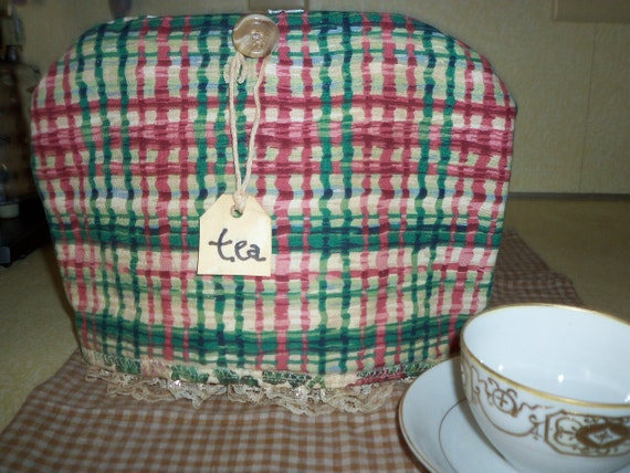 Reversible holiday plaid and ivy floral print tea cozy