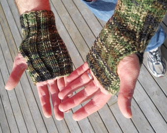 Men's camo arm sox for the active outdoorsman, wrist warmers, fingerless gloves, camouflage green & brown