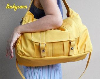 ASTER // Lemon Chiffon / Lined with Beige / 012 // Ship in 3 days // Messenger / Diaper bag / Shoulder bag / Tote bag / Purse / Gym bag