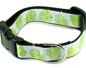 """Ready To Ship - 1"""" Dog Collar - 3 sizes to choose from - Green Frogs"""
