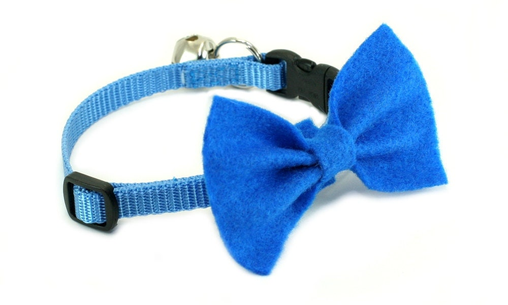 cat collar with bow tie soft blue