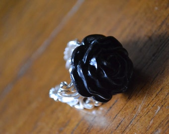 Large adjustable ring with black rose