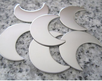 """1"""" (25MM) Crescent Moon Stamping Blanks, 22g Stainless Steel - AWESOME Silver Alternative M08"""