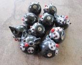 10 Black glass Cat Hat beads, 13x13mm round.-JD144