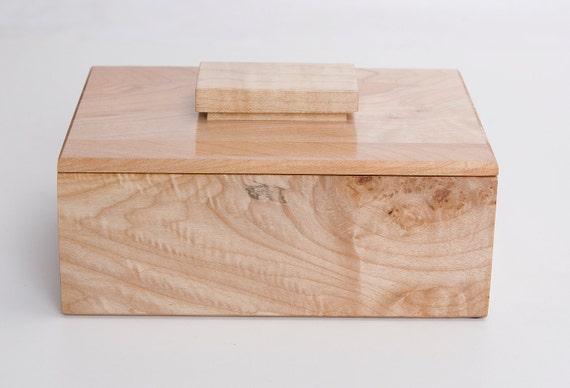 Wood Keepsake, treasure  box in Figured Maple woods 10ac