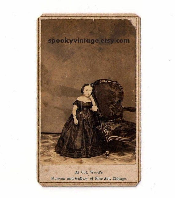 Original Lizzie Reed CDV Photograph / PT Barnum Midget Performer
