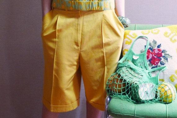 90s yellow mustard cotton cuffed pleated bermuda shorts M.