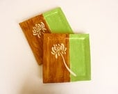 Decorative flower plate set of 2 in lime green and brown