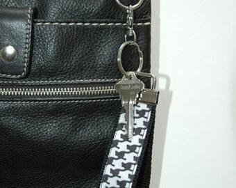 Houndstooth Key Fob Wristlet Black White