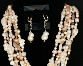 Pale Peach and Pearls NECKLACE