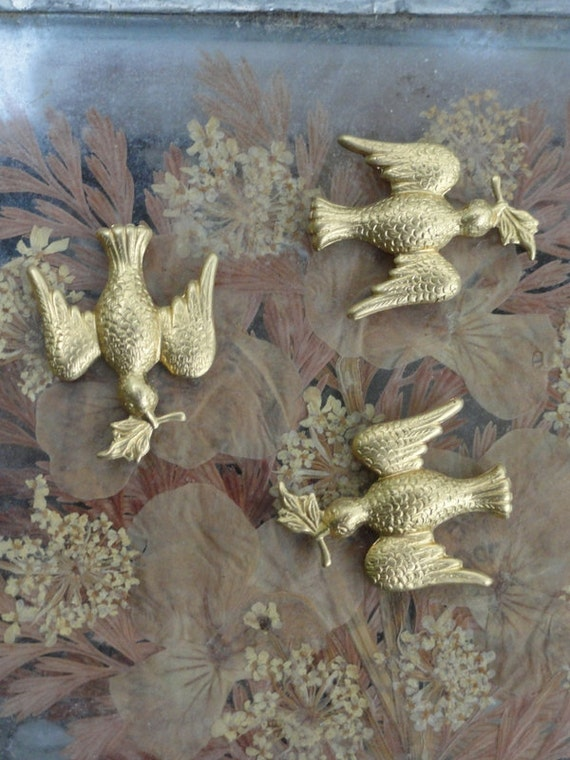 Peace Dove Stampings (4 pc)