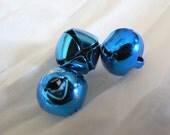 100 Jingle Bells 10mm Bright Blue Metal