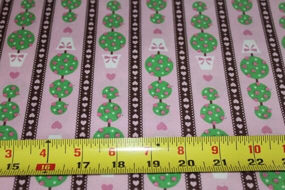 02954    David Textiles - Topiaries in pink and brown - 1 yard