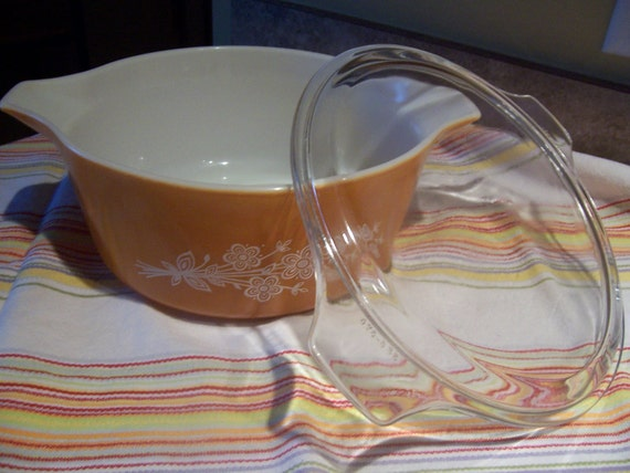 Pyrex Butterfly Gold Pattern (2) - Orange Casserole Dish with clear lid - 2.5 quart - butterfly pattern - Orange and White Pyrex