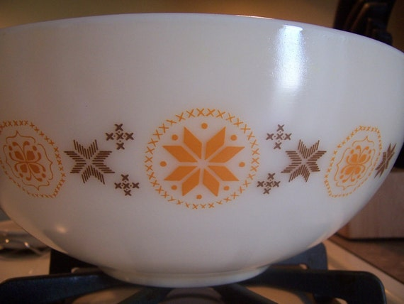 Pyrex Cinderella Nesting Bowl - Town and Country Design - Orange and Brown Design - Mixing Bowl