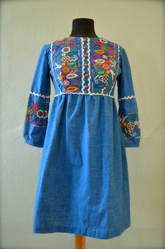 Vintage Women's Embroidered  Blue Mexican Boho Ethnic Dress 1960's -1970's