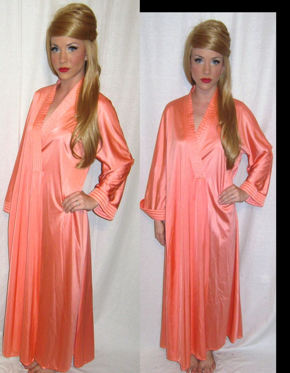 Womens Vintage 70s Goddess VANITY FAIR Deepest V Bell Sleeves Coral Satin Robe M