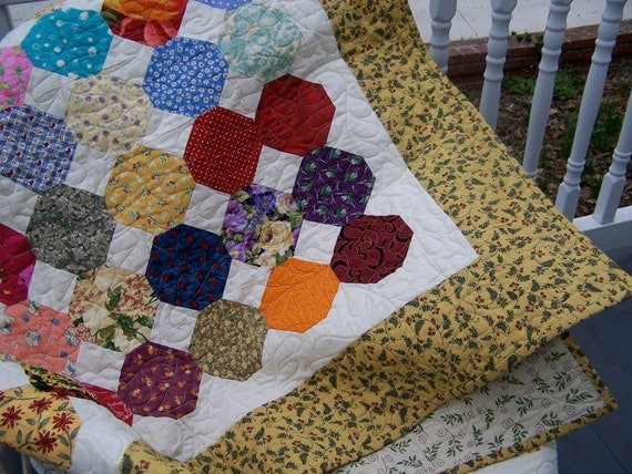 Multicolor Twin Snowball Quilt