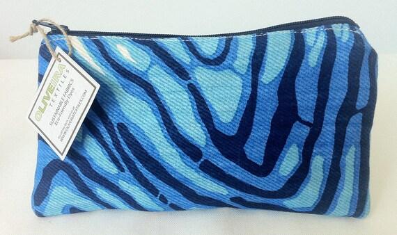 Cosmetic Flat Purse- Pattern Wavelength Color Ultramarine