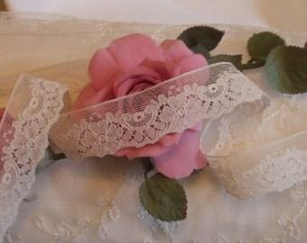 2 Yds 1 in. W. Vintage Cream Floral Design, Victorian lace,  Weddings, Costume design, Trim, Edging,