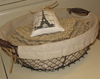 SALE, Farmhouse Wire Basket, Home Decor, Novelty, Chicken Wire Fruit Basket, Gift Basket, Spring Cleaning, Get Organized, Farmhouse, Kitchen